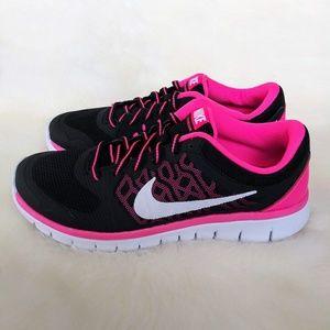 Nike Flex RN Womens Sneakers